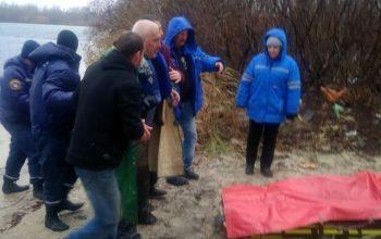Константиновские спасатели вытащили рыбака из ледяной воды
