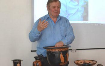 В Константиновском педколледже прошла выставка  древнегреческой керамики