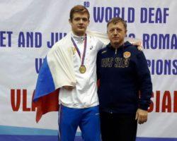 Чемпион мира по вольной борьбе среди юниоров